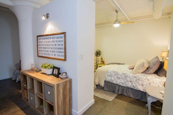 VanVleet furnished apartment -33