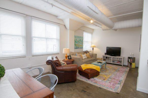 VanVleet furnished apartment -37